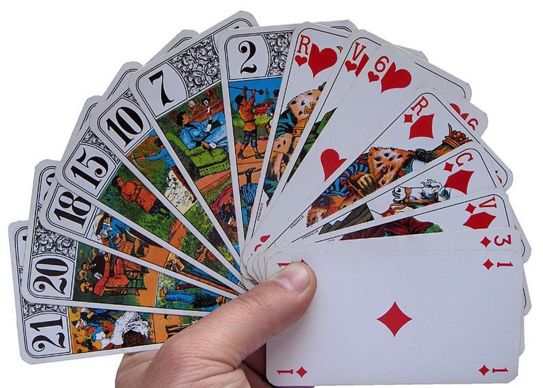 French Tarot Game Online